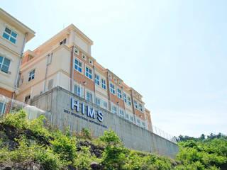 The HIM School: 인중헌 건축사 사무소의  학교