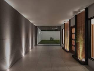 Casa PV: Pasillos y recibidores de estilo  por Eutopia Arquitectura