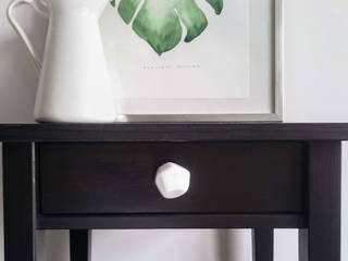 Ceramics handles – Polyhedron - colour white glossy glaze Viola Ceramics Studio ArteAltri oggetti d'arte Ceramica Bianco