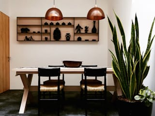 Modern dining room by Luminosa ™ Modern