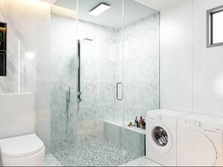Modern bathroom by Enrich Artlife & Interior Design Sdn Bhd Modern