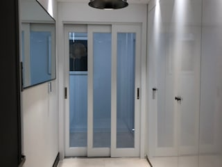 Corridor & hallway by 아임커뮤니케이션즈
