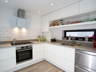 Family Home, Nr Falmouth:  Kitchen units by Marraum