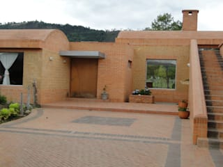 by Polanco Bernal Arquitectos Rustic