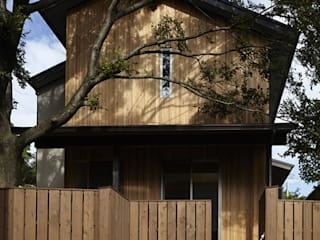 Wooden houses by イン・エクスデザイン / in-ex design.Co.,Ltd.,