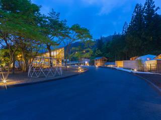 おんせんキャンプ shima blue シマブルー: トコツク建築設計事務所が手掛けたホテルです。