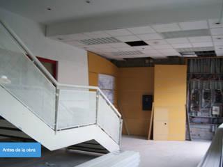 RECEPCION ANTES: Edificios de Oficinas de estilo  por RECREA ARQUITECTURA Y CONSTRUCCION