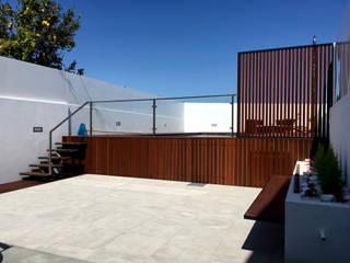 Piscinas de estilo moderno de GAAPE - ARQUITECTURA, PLANEAMENTO E ENGENHARIA, LDA Moderno