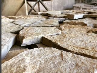 Lajes de pedra natural com uma face serrada:   por Pedra Rústica Jorge Anastácio