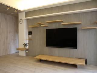 2015新店鄭宅 现代客厅設計點子、靈感 & 圖片 根據 王采元工作室 現代風