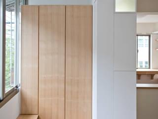 2013中和江宅 現代風玄關、走廊與階梯 根據 王采元工作室 現代風