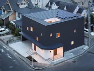บ้านสำหรับครอบครัว by ラブデザインホームズ/LOVE DESIGN HOMES