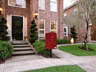 戸建住宅用・宅配ボックス「Brizebox - ブライズボックス」 クラシカルな 庭 の ボウクス株式会社 クラシック