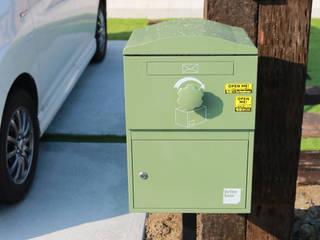 戸建住宅用・宅配ボックス「Brizebox - ブライズボックス」 北欧風 庭 の ボウクス株式会社 北欧