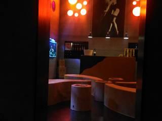 WINE BAR: Hotéis  por Nuno Ribeiro arquitecto