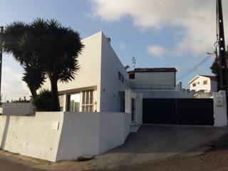 Escala Absoluta Modern houses White