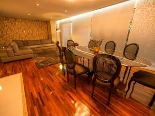 Casa de Vila Salas de jantar modernas por Hermes Stracciari Tosi Moderno