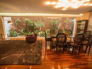 Casa de Vila Jardins modernos por Hermes Stracciari Tosi Moderno