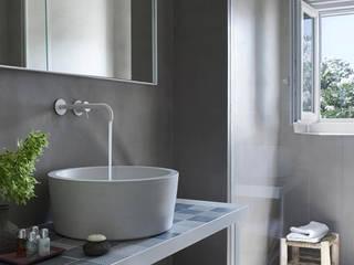 Design moderno e despojado: Hotéis  por Padimat Design+Technic