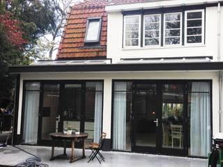 Casas de estilo clásico de Puurbouwen Clásico