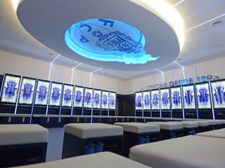 Dressing room F.C.Porto Football Team: Ginásios modernos por bkx arquitectos