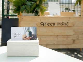 Greenbistrot Ramina Studio Gastronomia in stile mediterraneo Legno Beige
