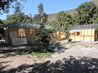 Casa Lavin Gonzalez: Casas de estilo  por ATELIER3