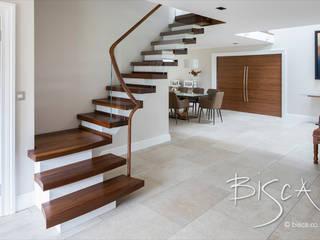 6034 - Walnut Semi Cantilever Bisca Staircases Scale Legno Effetto legno