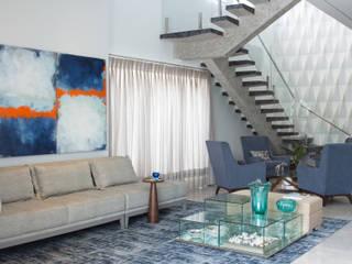 Living Salas de estar modernas por Erlon Tessari Arquitetura e Design de Interiores Moderno