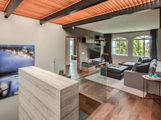 Casa CL: Pasillos y recibidores de estilo  por Concepto Taller de Arquitectura