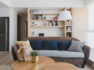 Project | T宅 现代客厅設計點子、靈感 & 圖片 根據 DUOLE 掇樂設計 現代風