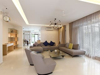 Residence No.1 at Panache, chennai:  Living room by Synergy Architecture and Interiors
