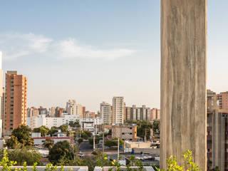 Design Group Latinamerica Balcone, Veranda & Terrazza in stile moderno