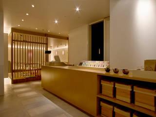 七葉 小田急新宿 モダンな商業空間 の 株式会社KAMITOPEN一級建築士事務所 モダン