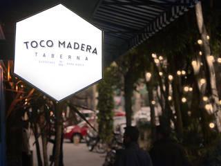 Tocomadera: Restaurantes de estilo  por graus