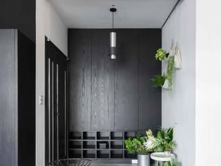 Modern Corridor, Hallway and Staircase by 文儀室內裝修設計有限公司 Modern