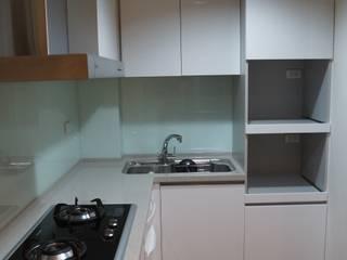 老屋修繕 利佳室內裝修設計有限公司 現代廚房設計點子、靈感&圖片