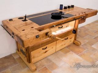 Old carpenters workbench as a breathtaking kitchen island! / Alte Hobelbank als atemberaubende Kochinsel! von Alpenmöbel® - Design trifft Geschichte Landhaus