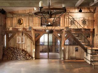 Berlin Loft:   por Atelier ferro quente