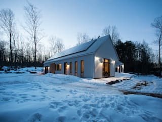 Kawartha Highlands Net-Zero House Modern houses by Solares Architecture Modern