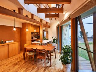 荒尾の家: border design architectsが手掛けたダイニングです。
