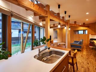 荒尾の家: border design architectsが手掛けたシステムキッチンです。