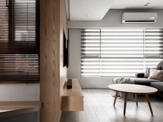 Livings de estilo minimalista de 湜湜空間設計 Minimalista