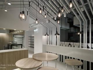 Restoran oleh SECONDstudio, Modern