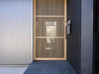 田島の住宅 モダンスタイルの 玄関&廊下&階段 の MAアーキテクト一級建築士事務所 モダン