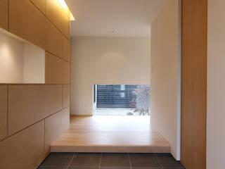 博多の住宅 モダンスタイルの 玄関&廊下&階段 の MAアーキテクト一級建築士事務所 モダン