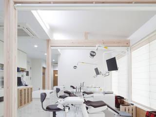 秋和の歯科: Atta一級建築士事務所アトリエtaが手掛けたスパ・サウナです。,
