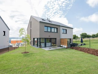 Houses by Maisons Loginter, Modern