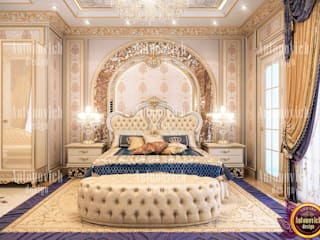 ​Beauty classics in the interior of the bedroom from Katrina Antonovich:  Bedroom by Luxury Antonovich Design