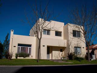 Casa 347 Casas modernas: Ideas, imágenes y decoración de Papillon Arquitectura Moderno